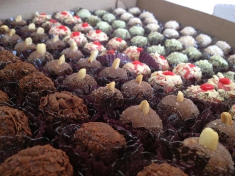 Doce de Chocolate para Festa Cupecê - Doces Finos para Festa de Casamento